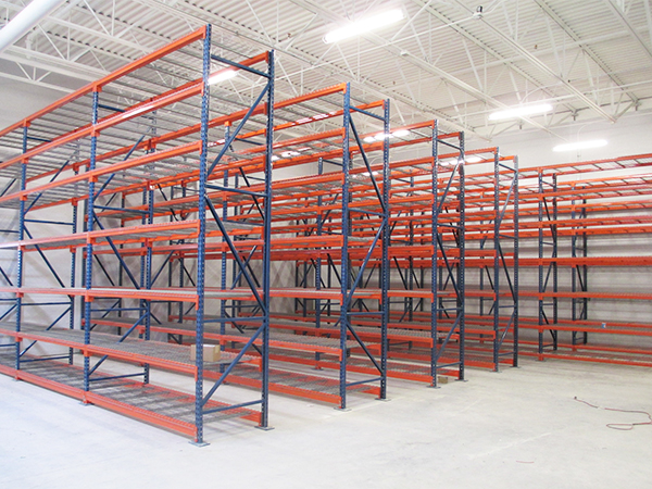 Installing The Best Of Industrial Pallet Racking For Komatsu's New Rock Springs, WY Warehouse