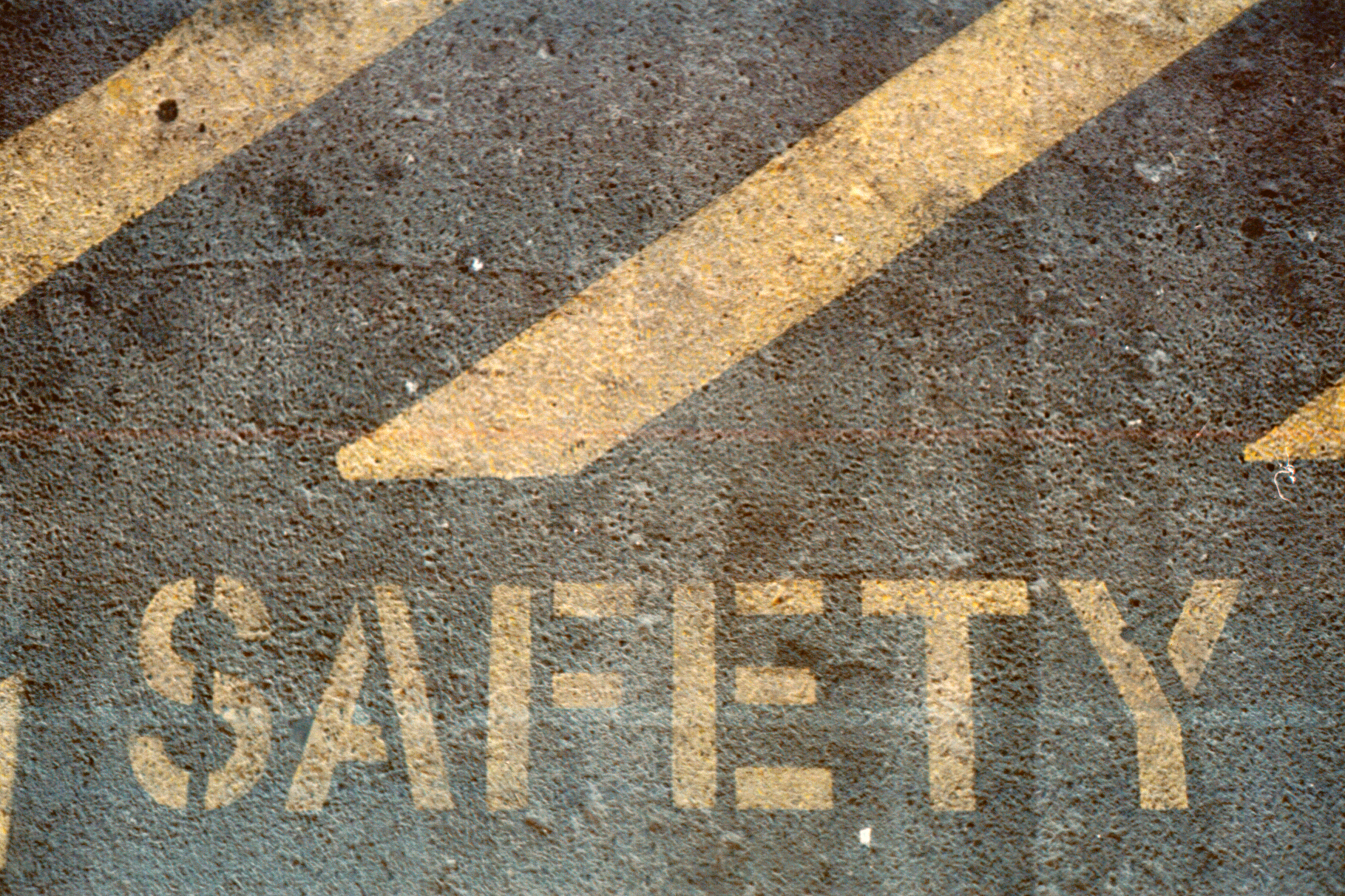 Common Material Handling Mishaps: How to Increase Warehouse Safety